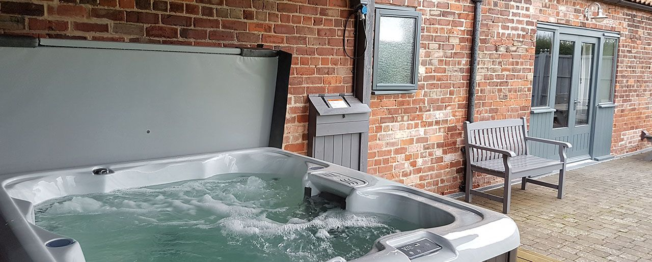 Hot Tub with holiday cottages