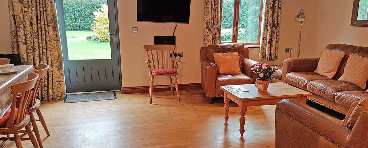 Boston accommodation in self catering Holly Cottage